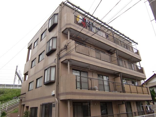 埼玉県さいたま市北区、日進駅徒歩13分の築27年 4階建の賃貸マンション