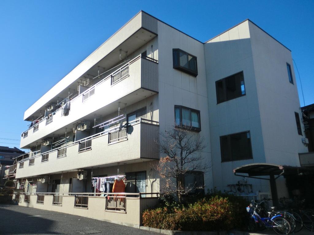埼玉県さいたま市北区、宮原駅徒歩15分の築24年 3階建の賃貸マンション