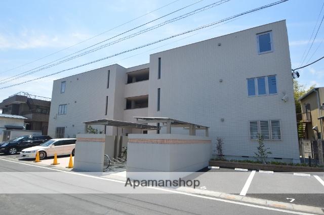 埼玉県川口市、蕨駅徒歩13分の築3年 3階建の賃貸マンション