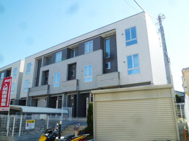 埼玉県川口市、蕨駅徒歩27分の築5年 3階建の賃貸アパート
