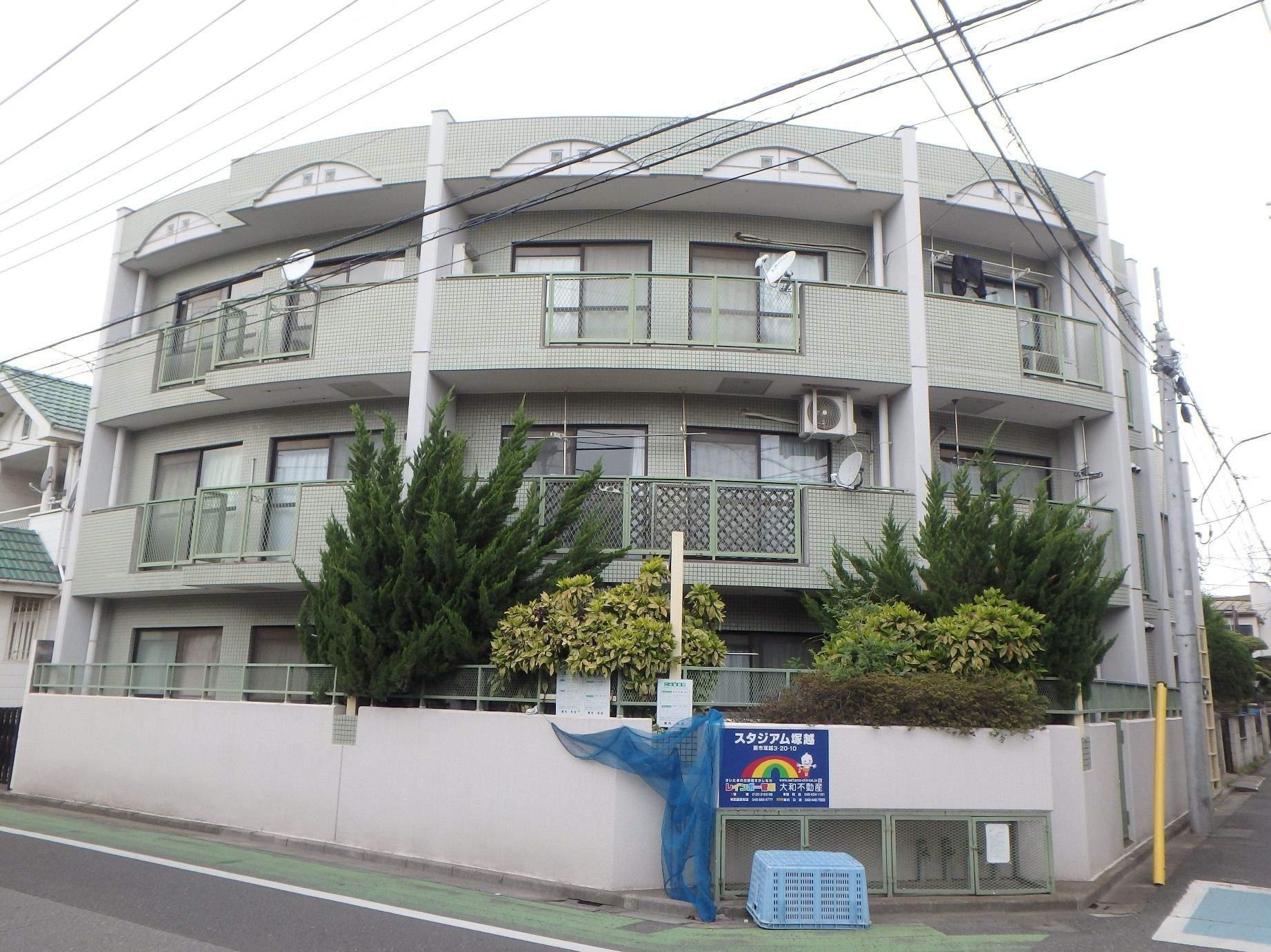 埼玉県蕨市、蕨駅徒歩13分の築28年 3階建の賃貸マンション