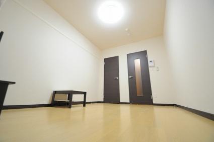 レオネクストルナ大宮[1K/21.33m2]のリビング・居間1