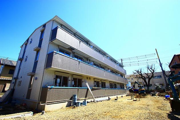 埼玉県ふじみ野市、ふじみ野駅徒歩15分の築3年 3階建の賃貸アパート