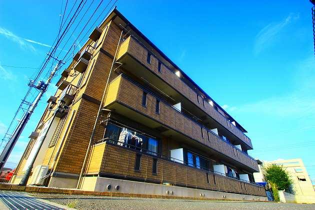 埼玉県ふじみ野市、ふじみ野駅徒歩8分の築10年 3階建の賃貸アパート