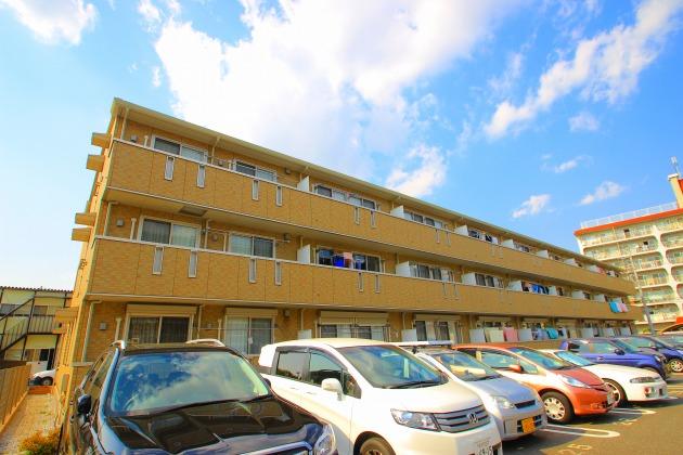 埼玉県入間郡三芳町、みずほ台駅徒歩21分の築9年 3階建の賃貸アパート