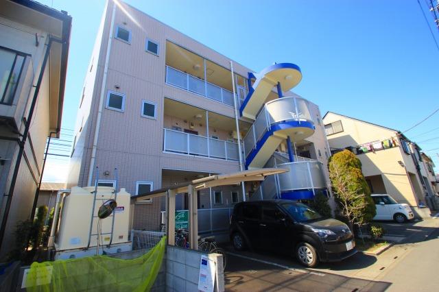 埼玉県ふじみ野市、鶴瀬駅徒歩20分の築12年 3階建の賃貸マンション