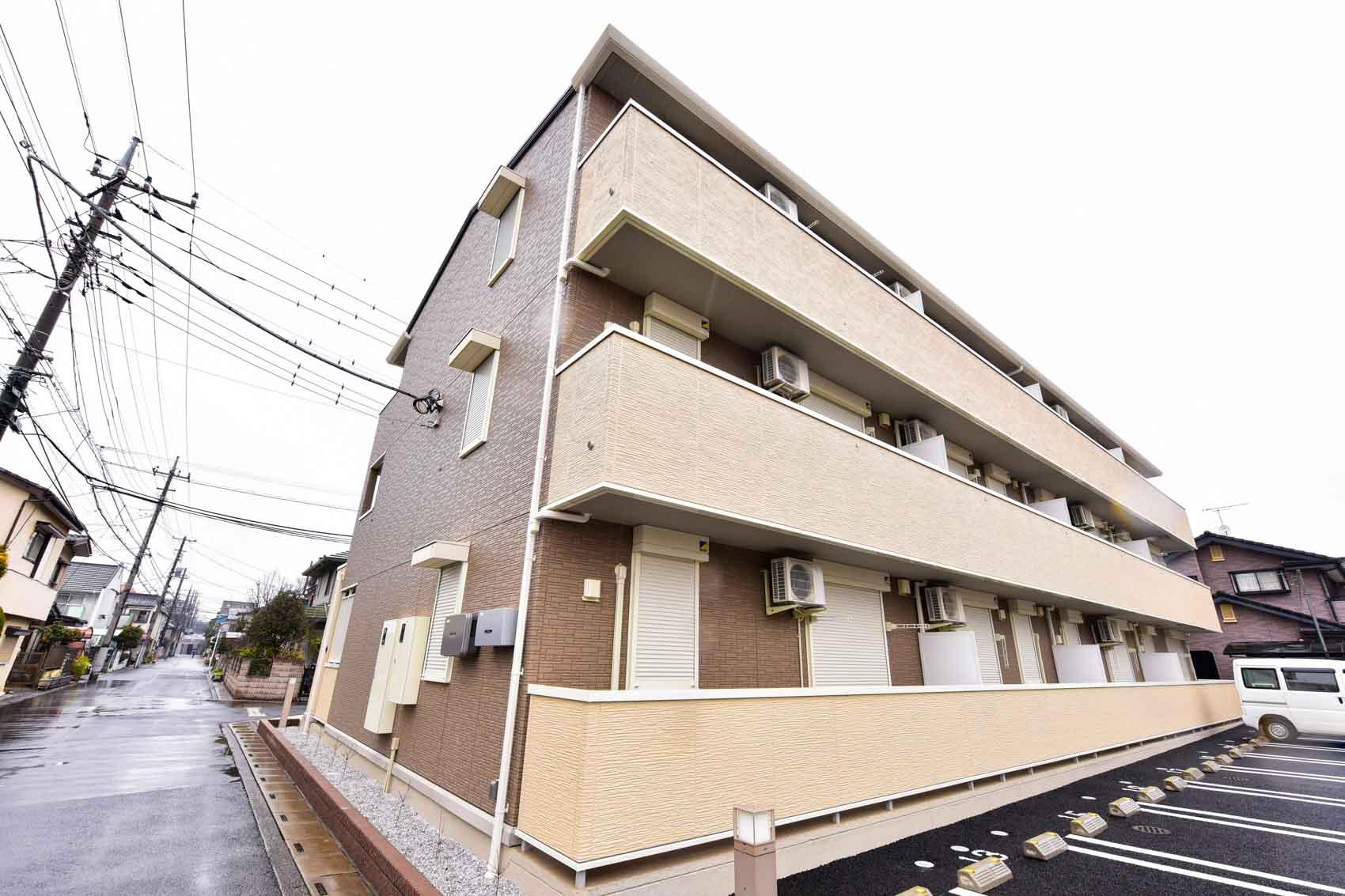 埼玉県川越市、上福岡駅徒歩15分の築3年 3階建の賃貸アパート