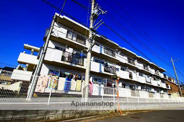 埼玉県ふじみ野市、ふじみ野駅徒歩26分の築26年 3階建の賃貸マンション