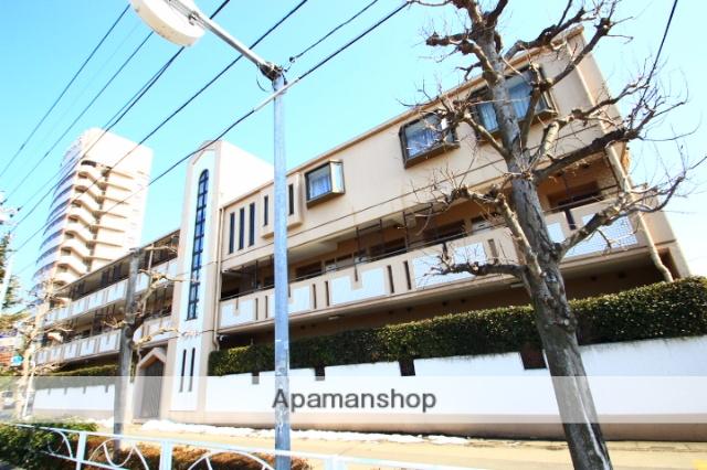 埼玉県新座市、北朝霞駅徒歩20分の築30年 3階建の賃貸マンション