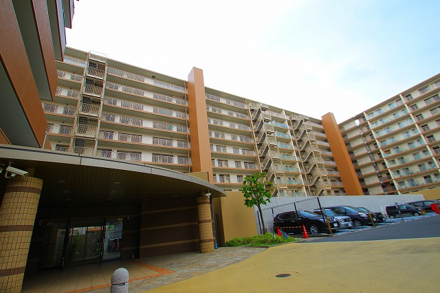 埼玉県入間郡三芳町、みずほ台駅徒歩13分の築14年 10階建の賃貸マンション