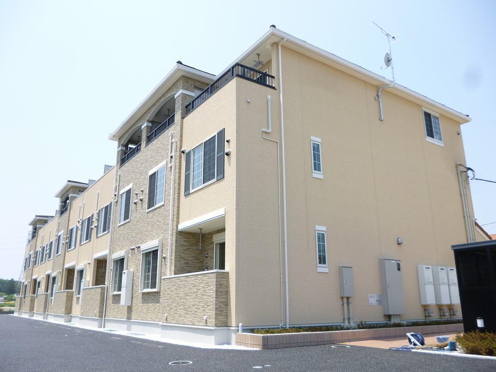 埼玉県川越市、上福岡駅徒歩20分の築3年 3階建の賃貸アパート