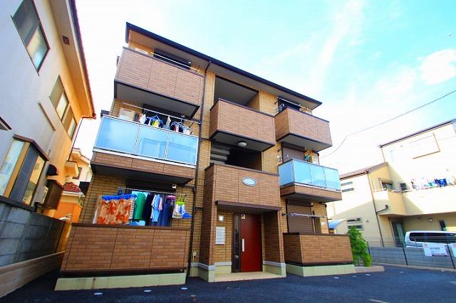 埼玉県新座市、新座駅徒歩19分の築6年 3階建の賃貸アパート