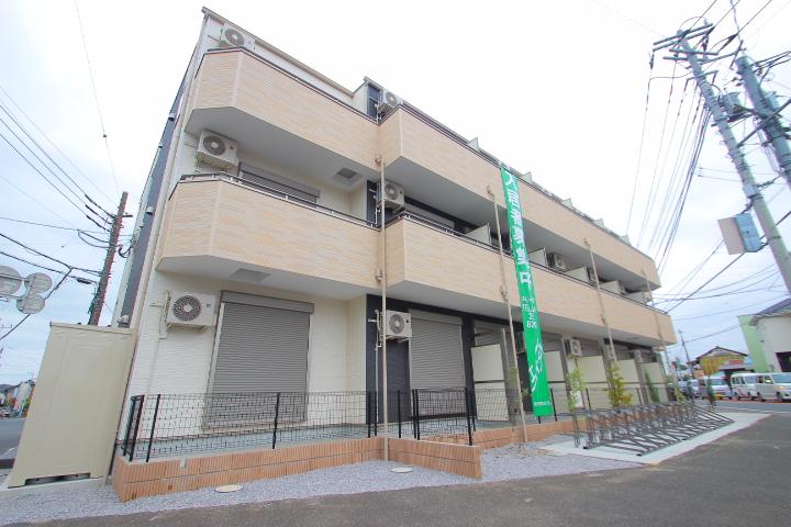 埼玉県富士見市、みずほ台駅徒歩25分の築1年 3階建の賃貸アパート