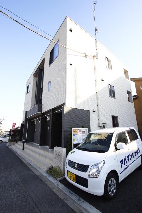埼玉県ふじみ野市、鶴瀬駅徒歩60分の築1年 3階建の賃貸アパート