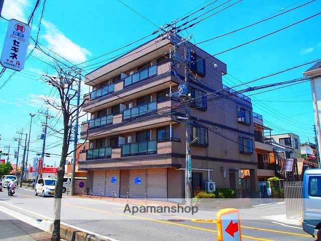 埼玉県入間郡三芳町、鶴瀬駅徒歩11分の築24年 4階建の賃貸マンション
