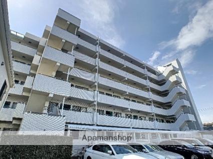 埼玉県ふじみ野市、鶴瀬駅徒歩36分の築19年 6階建の賃貸マンション