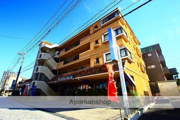 埼玉県ふじみ野市、鶴瀬駅徒歩30分の築16年 4階建の賃貸マンション