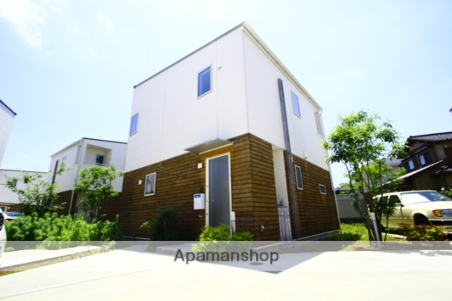 埼玉県新座市、新座駅徒歩12分の新築 2階建の賃貸テラスハウス
