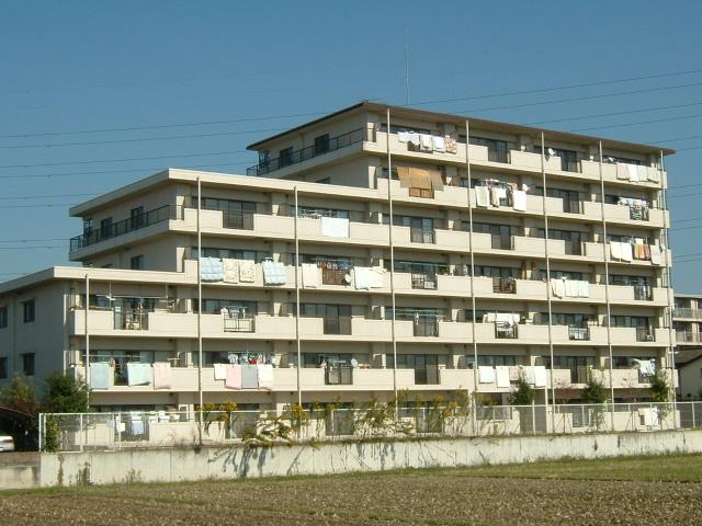 埼玉県春日部市、豊春駅徒歩4分の築18年 7階建の賃貸マンション