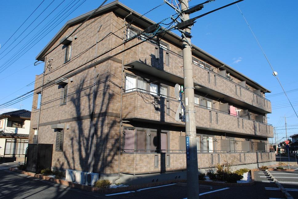 埼玉県熊谷市、熊谷駅徒歩22分の築10年 3階建の賃貸アパート