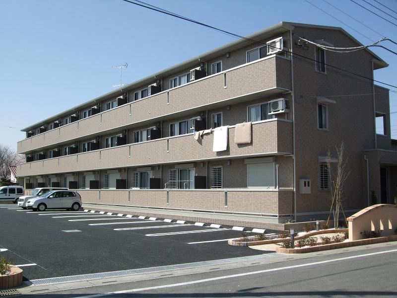 埼玉県深谷市、深谷駅徒歩12分の築7年 3階建の賃貸アパート