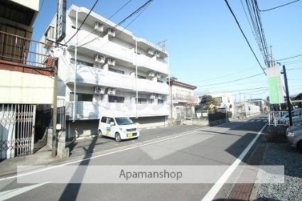 埼玉県坂戸市、若葉駅徒歩15分の築21年 3階建の賃貸マンション
