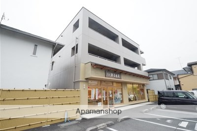 埼玉県鶴ヶ島市、鶴ヶ島駅徒歩15分の築15年 3階建の賃貸マンション