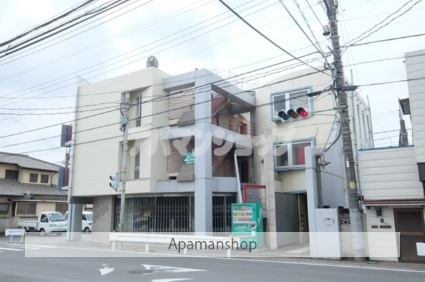 埼玉県坂戸市、若葉駅徒歩11分の築28年 3階建の賃貸マンション