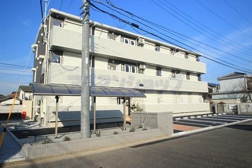 埼玉県川越市、西川越駅徒歩20分の築3年 3階建の賃貸アパート
