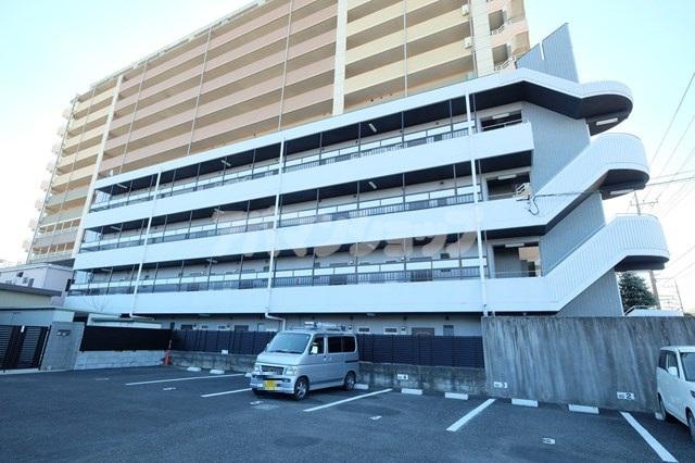 埼玉県坂戸市、坂戸駅徒歩7分の築23年 4階建の賃貸マンション