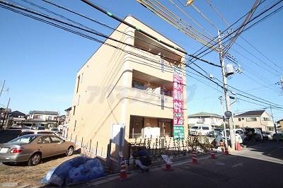 埼玉県川越市、的場駅徒歩14分の築3年 3階建の賃貸マンション
