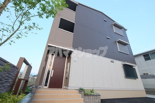 埼玉県東松山市、高坂駅徒歩15分の新築 3階建の賃貸アパート
