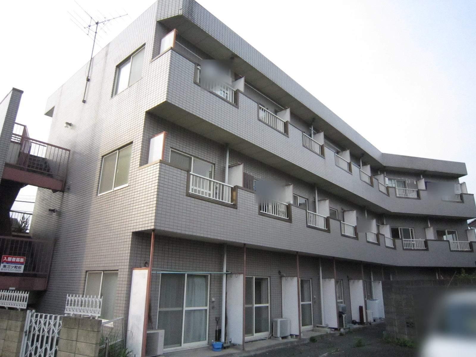 埼玉県入間市、仏子駅徒歩3分の築27年 3階建の賃貸マンション