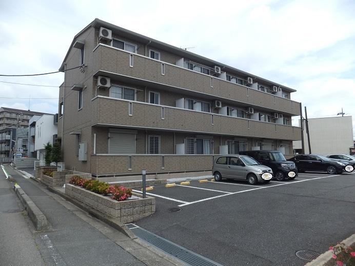 埼玉県川越市、南大塚駅徒歩3分の築7年 3階建の賃貸アパート