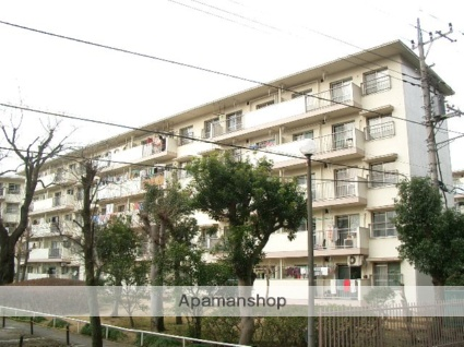 埼玉県入間市、稲荷山公園駅徒歩11分の築44年 5階建の賃貸マンション