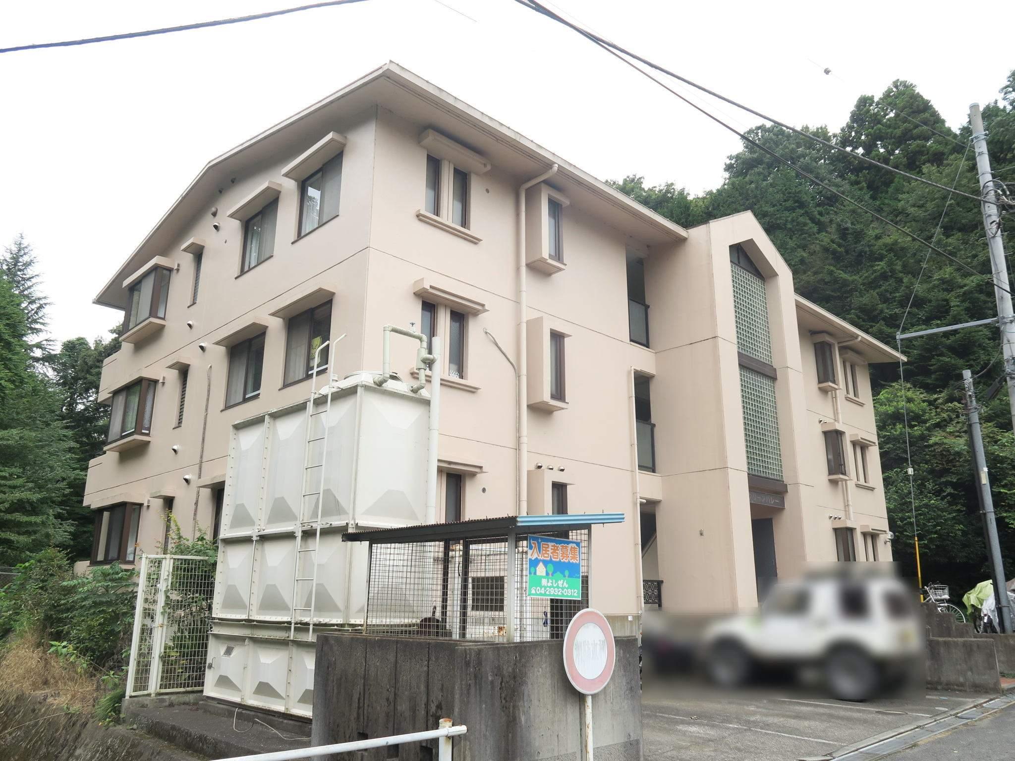 埼玉県入間市、仏子駅徒歩8分の築27年 3階建の賃貸マンション