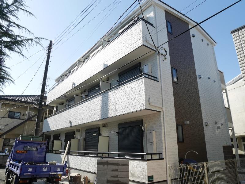 埼玉県戸田市、西川口駅徒歩10分の新築 3階建の賃貸アパート