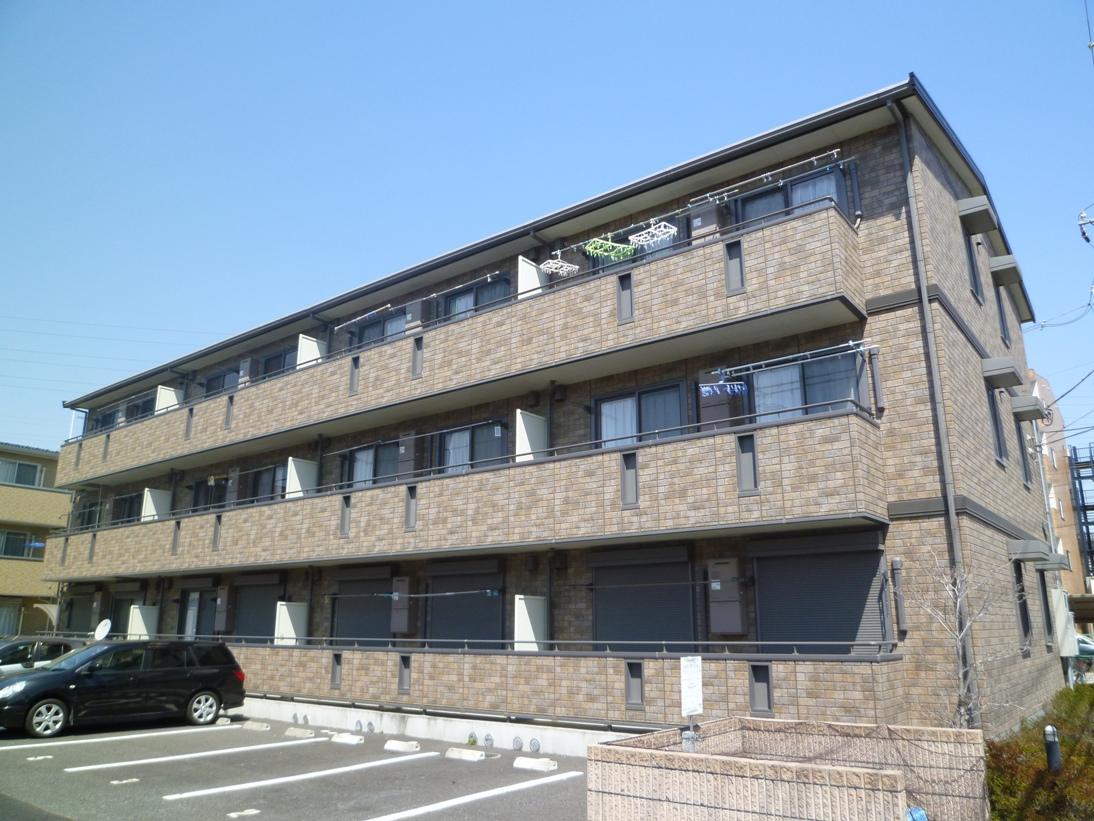 埼玉県戸田市、戸田公園駅徒歩33分の築10年 3階建の賃貸マンション