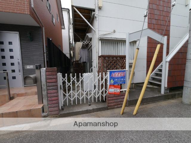 埼玉県所沢市、狭山ヶ丘駅徒歩3分の築28年 2階建の賃貸アパート