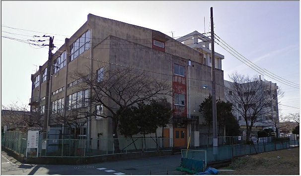 八潮市立中川小学校 275m