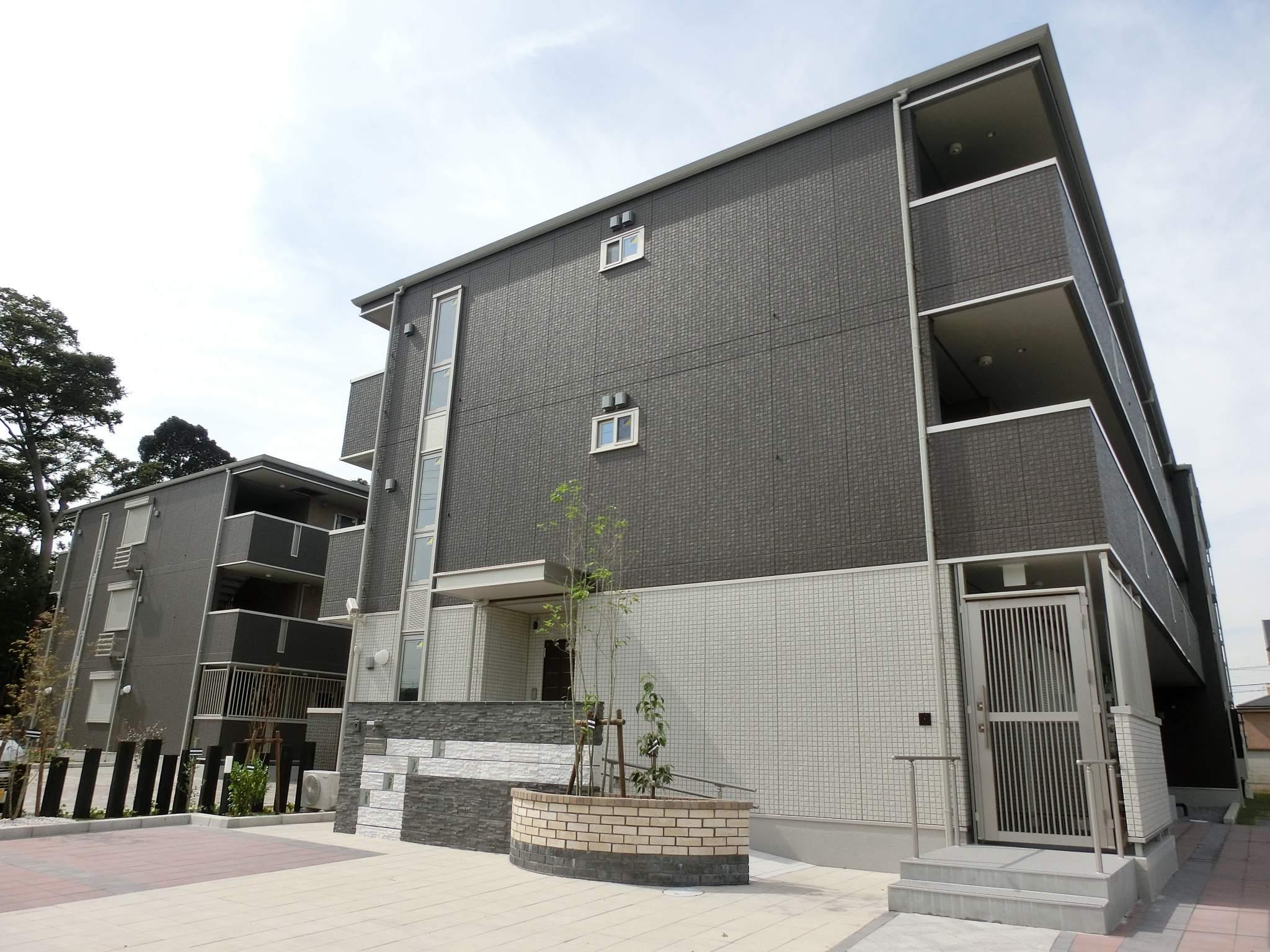 千葉県千葉市稲毛区、四街道駅徒歩17分の築2年 3階建の賃貸マンション