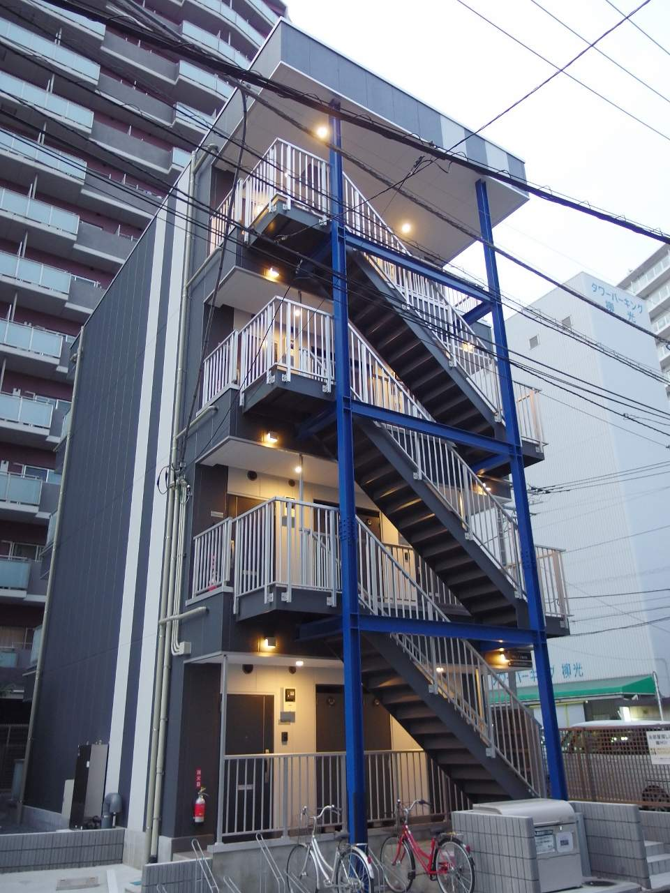 千葉県千葉市中央区、千葉駅徒歩13分の新築 4階建の賃貸マンション