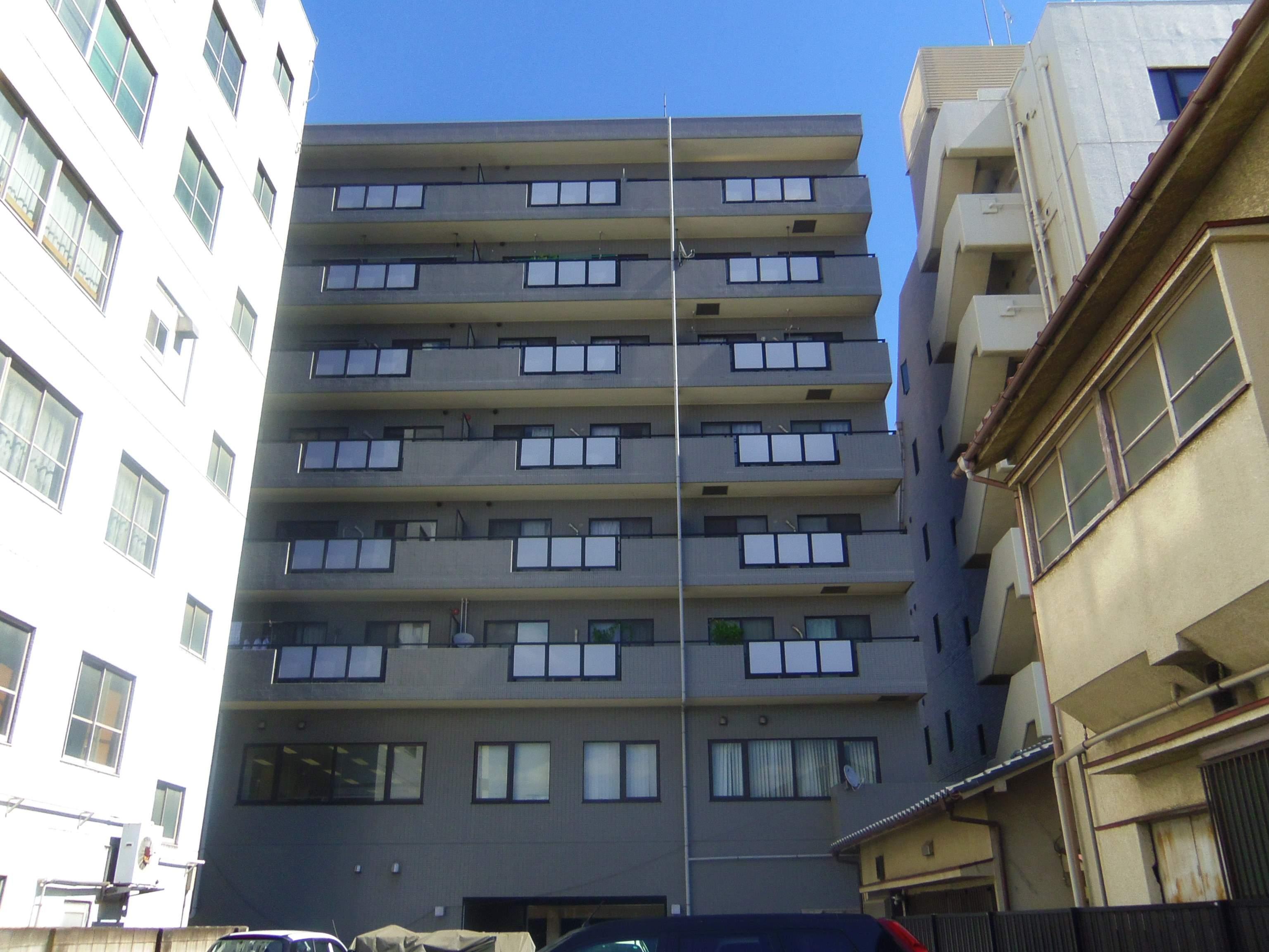 千葉県千葉市中央区、千葉駅徒歩9分の築20年 8階建の賃貸マンション