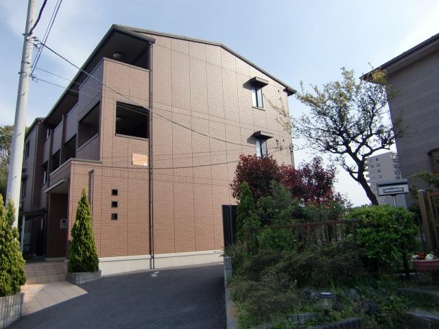 千葉県千葉市中央区、西千葉駅徒歩10分の築6年 3階建の賃貸アパート