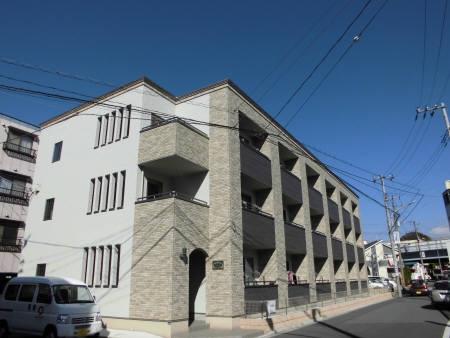 千葉県千葉市中央区、千葉駅徒歩14分の築2年 3階建の賃貸アパート