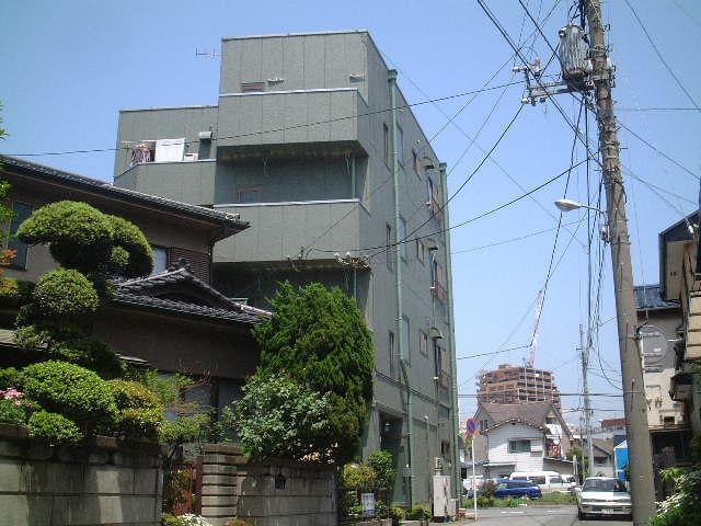 千葉県千葉市中央区、本千葉駅徒歩7分の築28年 4階建の賃貸マンション