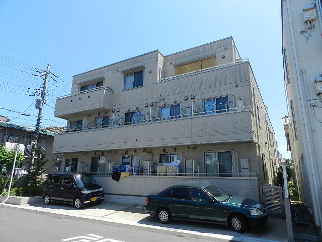 千葉県市川市、下総中山駅徒歩10分の築11年 3階建の賃貸アパート