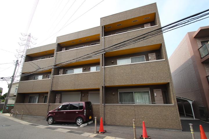 千葉県船橋市、東船橋駅徒歩10分の築5年 3階建の賃貸アパート