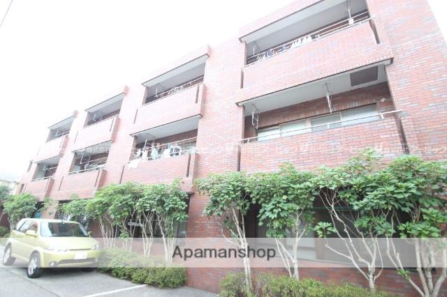 千葉県市川市、本八幡駅徒歩8分の築24年 3階建の賃貸マンション