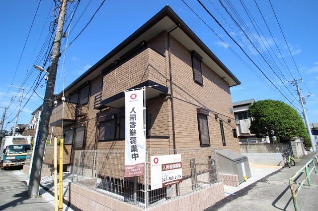 千葉県市川市、本八幡駅徒歩15分の築1年 2階建の賃貸アパート